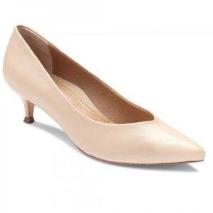 Vionic Josie Kitten heels nude cream 7.5 LIKE NEW